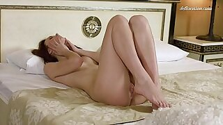 sexy video: Shaved pussy without panties