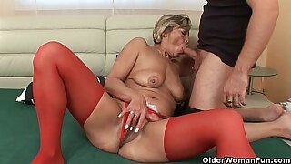 sexy video: Grandma Penny twirls his soaking wet pussy and toys dog anus