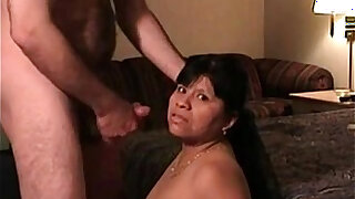 sexy video: Rosa Gets a Nice Facial in Mexico DF by