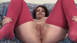 sexy video: Chubby Hannah Vibrating Her Pussy