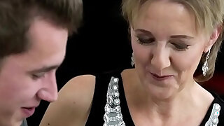 sexy video: Grandmother takes cumshot