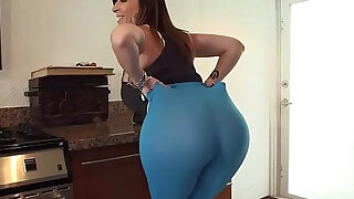 sexy video: Tongued fat ass slut lady like to ride