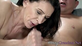 sexy video: Loves Mature Beauty
